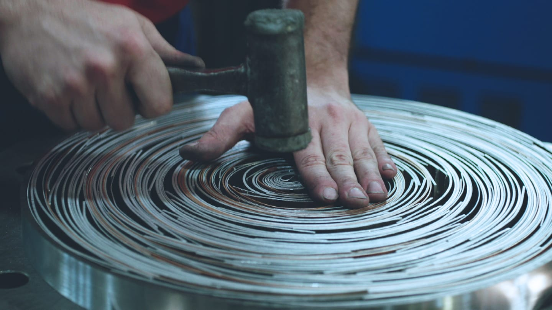 bespoke-metal-furniture-manufacturer-made-in-italy-fcm